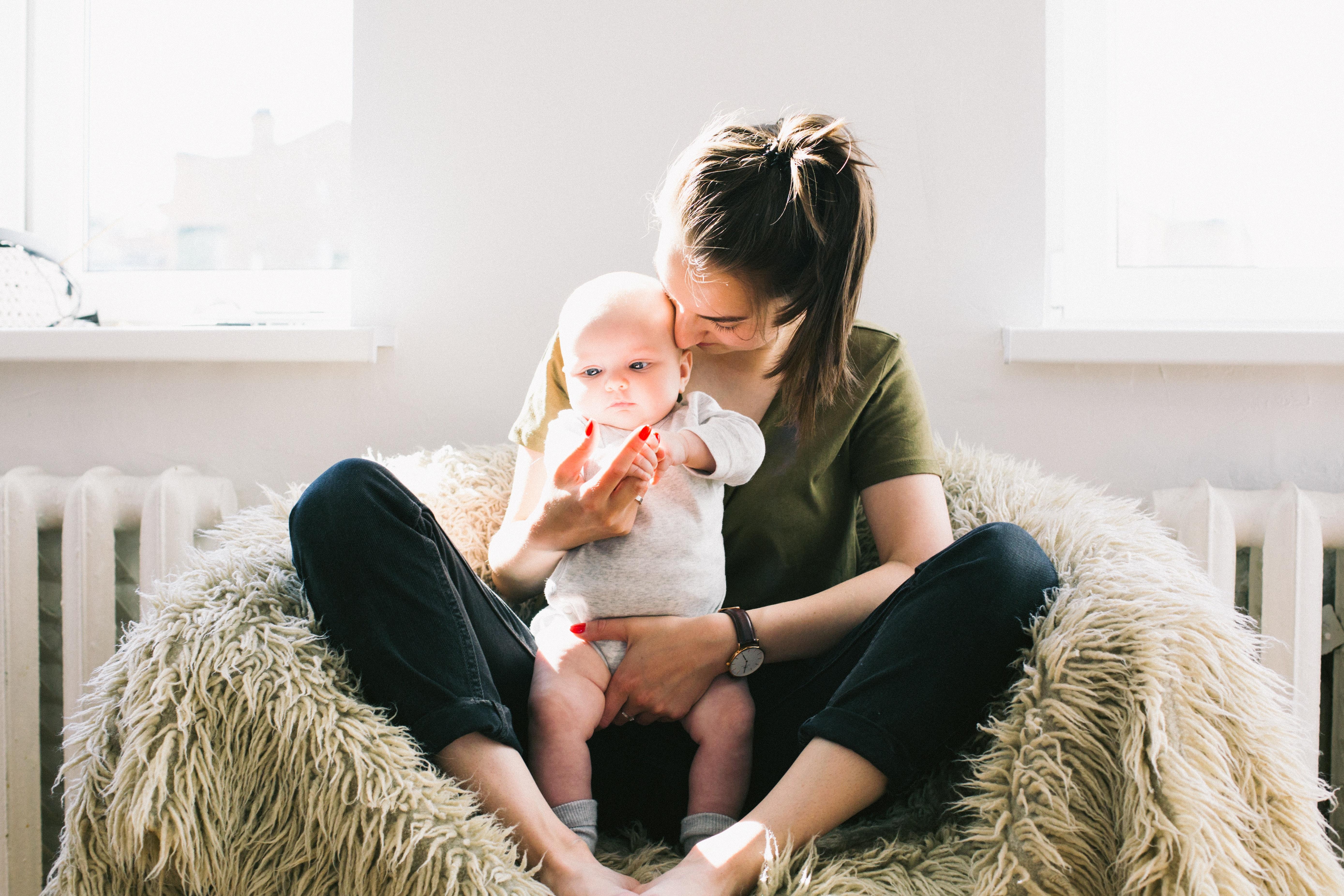 Moderno majčinstvo