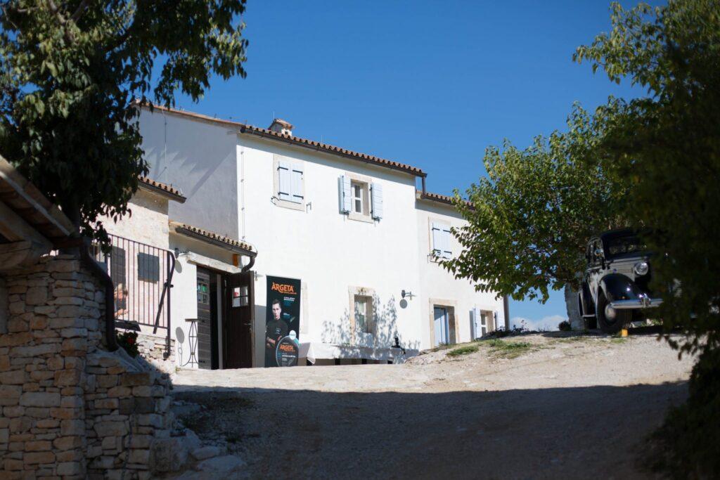 Restoran Stari Kaštel u idiličnom istarskom okruženju
