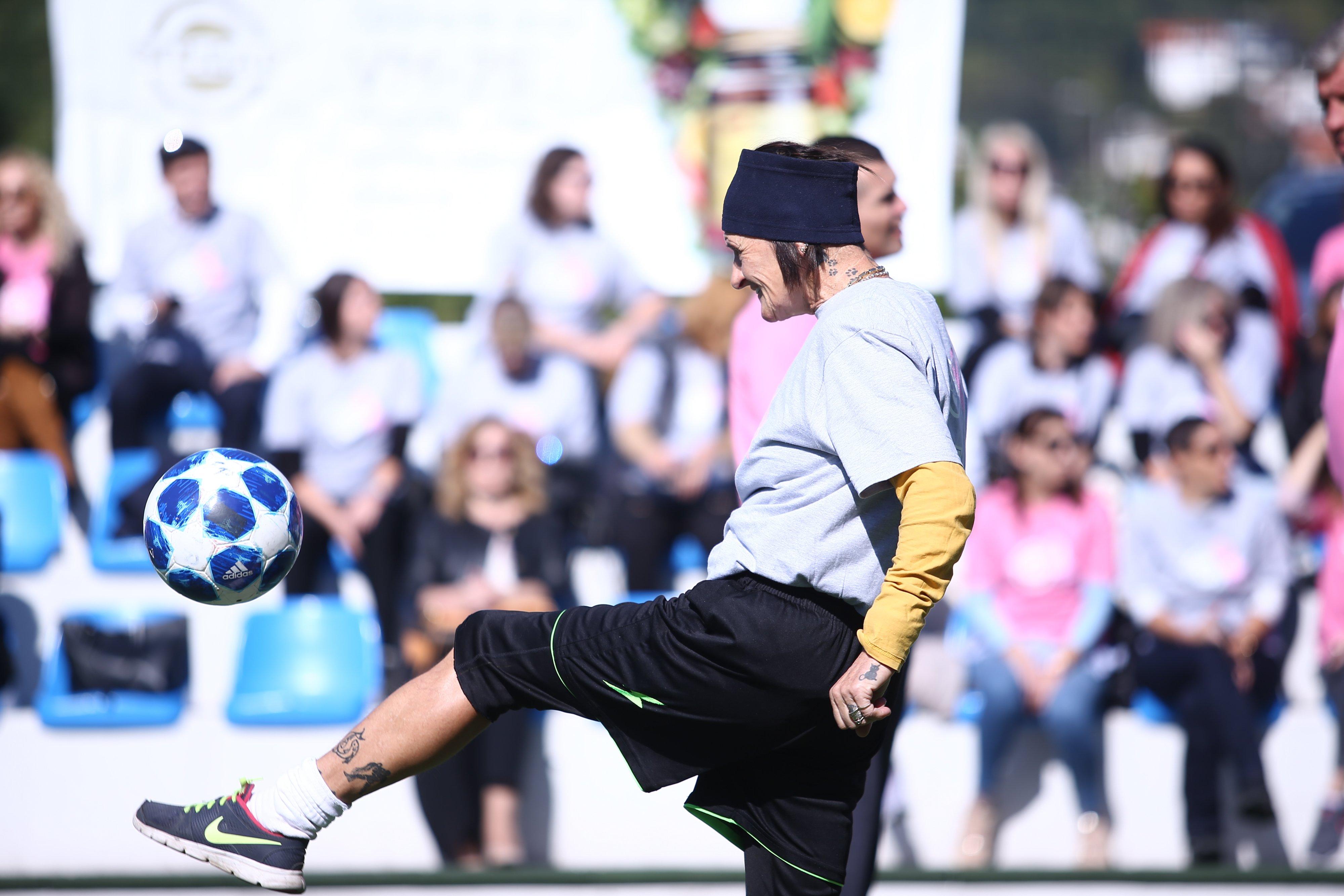 """Revijalnom muško-ženskom nogometnom utakmicom najavljen nastavak kampanje """"Darujmo ružičasti život"""""""