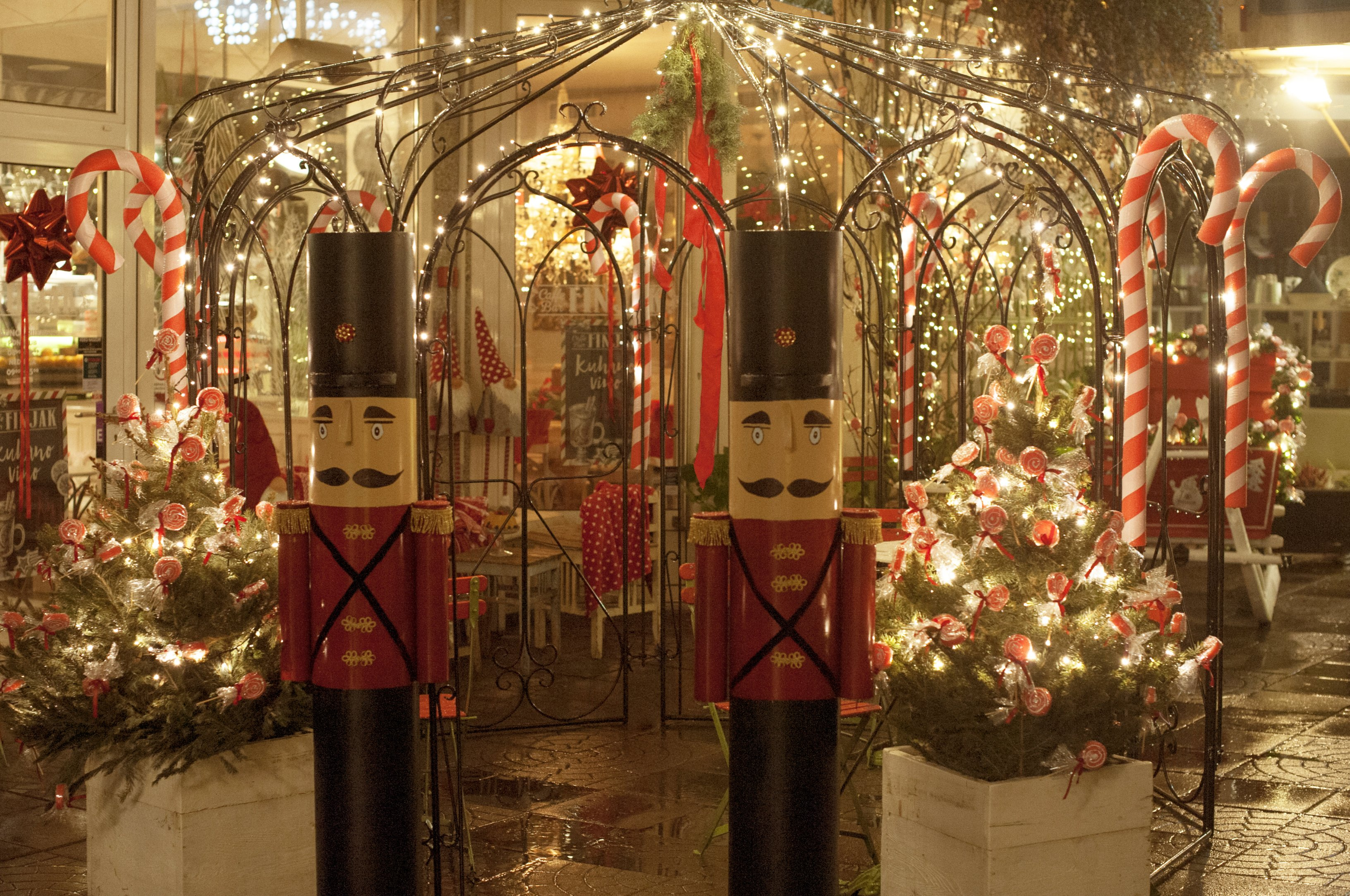 Najljepša Božićna Bajka čeka vas u caffe baru Finjak