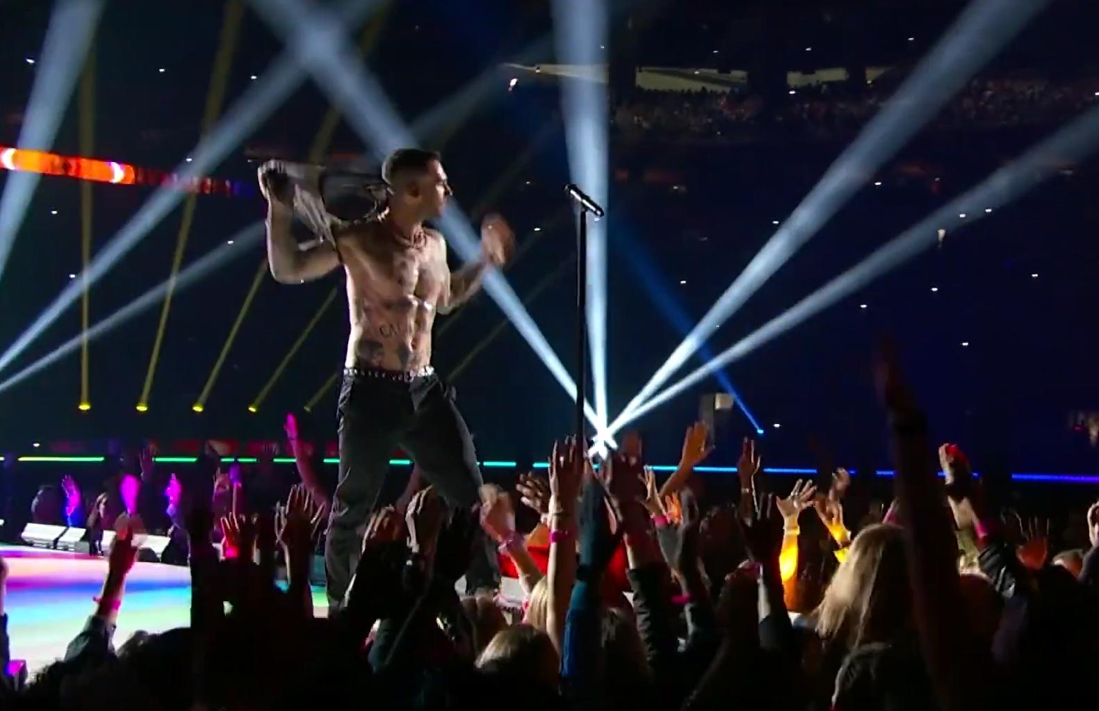 """Maroon 5 razočarao na Super Bowlu: """"Najdosadniji nastup u poluvremenu svih vremena"""""""