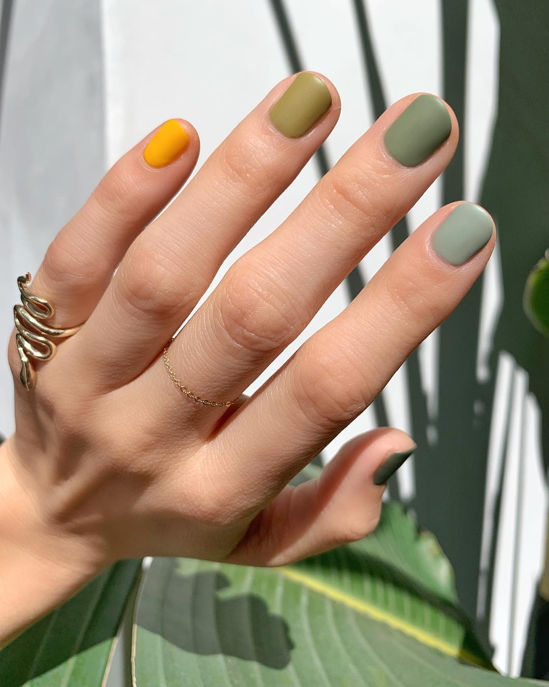 Jedna zanimljiva manikura istaknula se kao mini trend za proljetnu sezonu