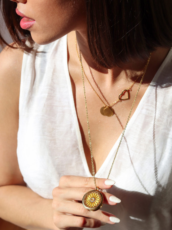 Poseban nakit koji će savršeno upotpuniti ljetne outfite