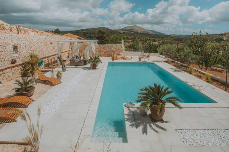 U malom selu pored Šibenika krije se prava oaza mira i jedan od najljepših bazena koji smo ikad vidjeli
