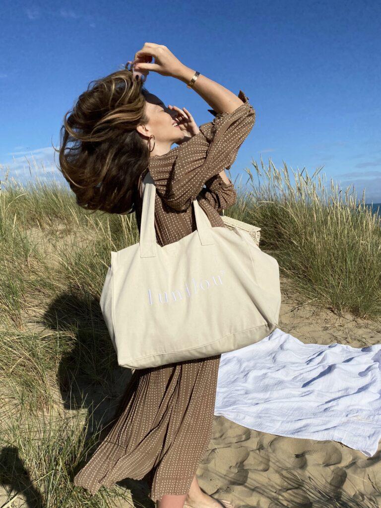 Ljetni must have – ogromna torba za plažu u koju može stati baš sve!