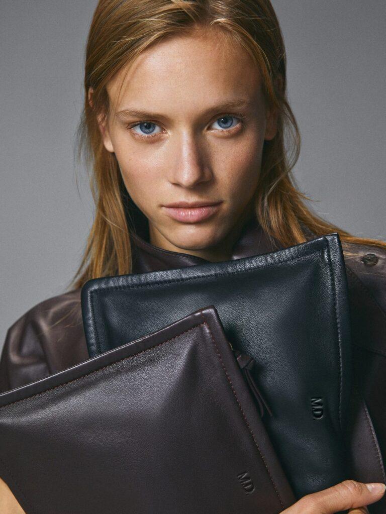 Massimo Dutti nudi prekul uslugu – sada možete staviti svoje inicijale na kožne torbe i maske za mobitel