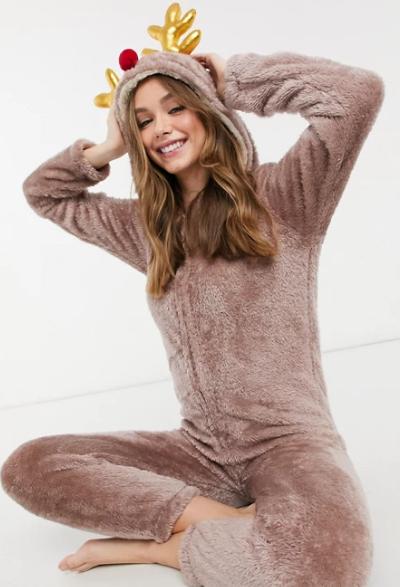 Jednodijelne 'cozy' onesie pidžame jedini su komad odjeće koji nam treba ove zime