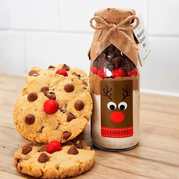 Pod bor dragoj osobi poklonite slatko iznenađenje u staklenci – miks za omiljene keksiće!